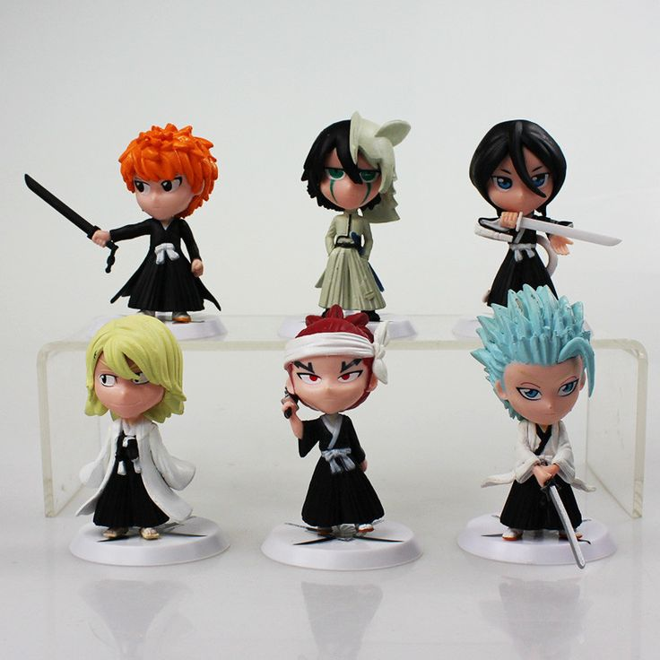 These Bleach Action Figures come as a set of 6 pieces which include the characters - Ichigo, Ulquiorra, Rukia, Urahara, Renji & Hitsugaya. These meticulously made figures have a high detail to them an