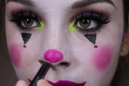 10 Cute 'n' Creepy Clown Makeup Ideas for Halloween | more.com