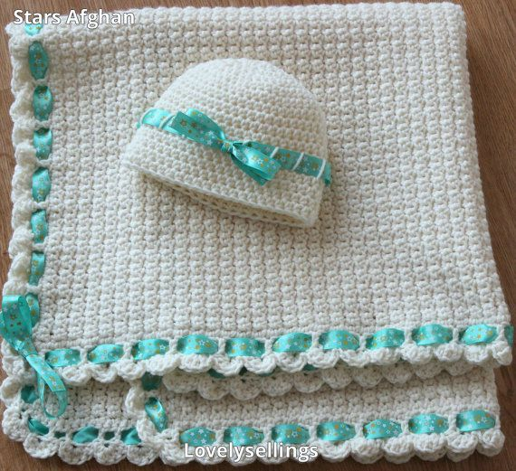 Newborn Blanket Hat and Booties by #LovelySellings on Etsy  #etsy #handmade #lovely #baby #blanket #hat #newborn