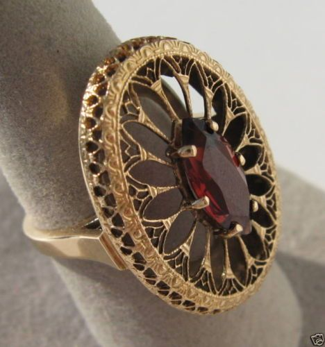 VINTAGE-ART-DECO-14K-YELLOW-GOLD-FILIGREE-OPENWORK-RED-GARNET-RING-STUNNING