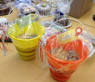 *Rook No. 17: recipes, crafts & creative nesting*: The Sweetest Summer Cake ~ Beach Bucket Cake Tutorial