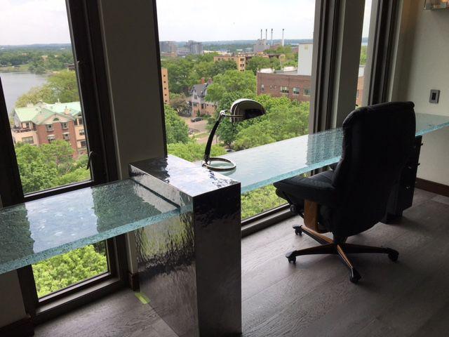 Ajoutez Une Ambiance Unique à Votre Espace Travail Avec Le Verre  Thermoformé ThinkGlass Et La Grande · Glass CountertopsGlass TableTabletopKaren  ... Part 63