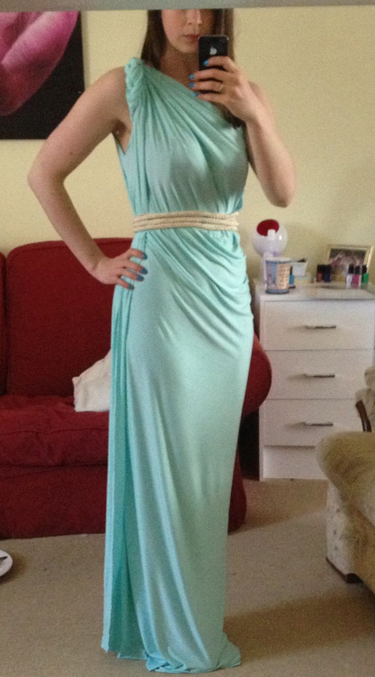 DIY toga idea. I did this with an off white silky fabric.. Pinterest WIN!