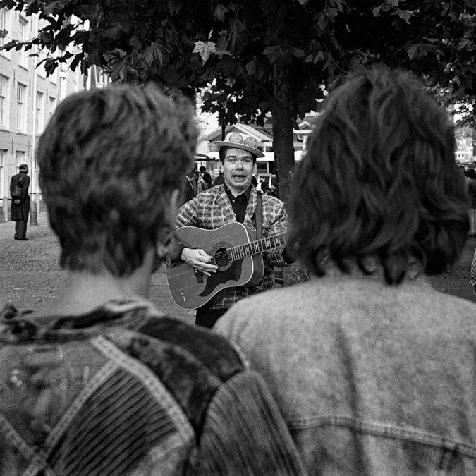 Utrecht - straatmuzikant - binnenstad | streetmusician - near city centre | 09-1989