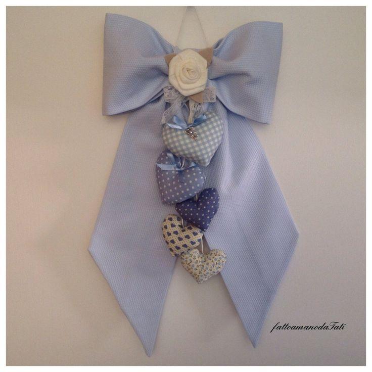 Fiocco nascita in piquet azzurro con 5 cuori e rosa di lino, by fattoamanodaTati, 32,00 € su misshobby.com