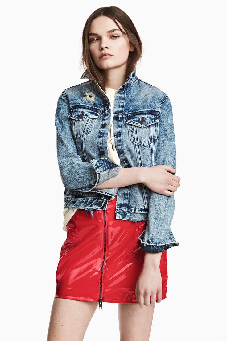 5 jachete H&M perfecte pentru trecerea dintre sezoane si pentru vremea capricioasa de acum