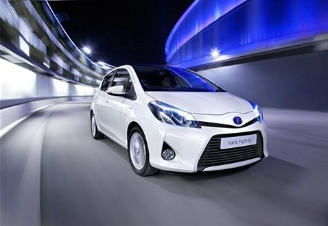 White yaris hybrid, looks so great both inside and outside.