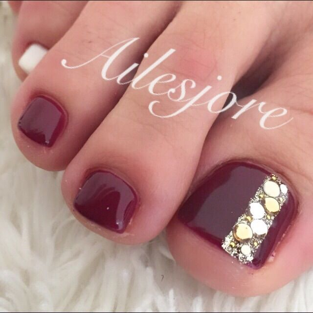 toesnails nails foot footnail 秋冬ネイル ネイル フットネイル フットジェル fashion party red スワロフスキー