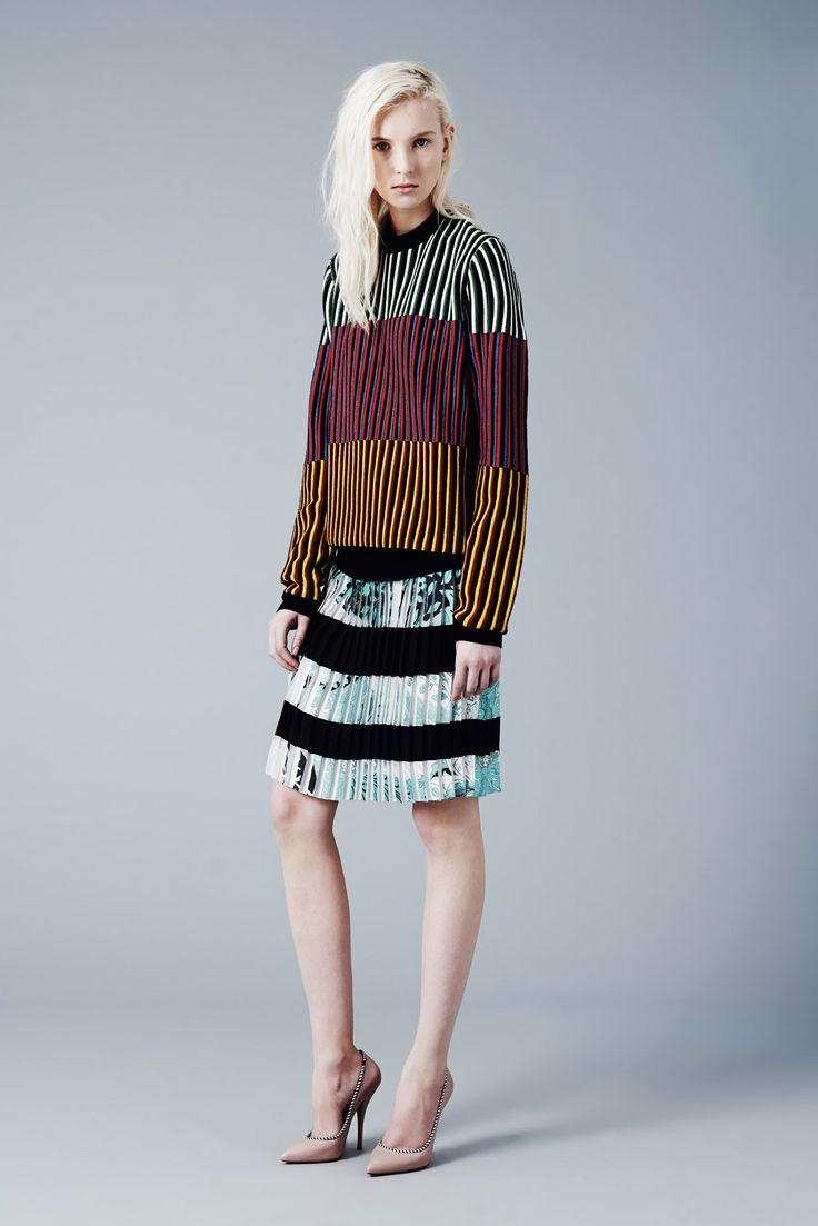 See the complete Jonathan Saunders Pre-Fall 2014 collection.