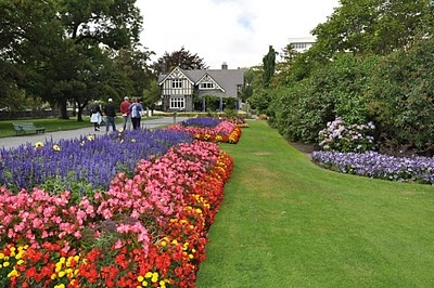 Christchurch Botanic Gardens.  We found lots of green space and beautiful gardens throughout New Zealand.