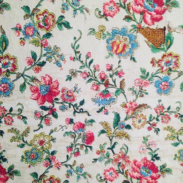 Our vintage stuff #shield #secret #fabric #collection #vintage #old #love #antique #brocante #enricastabile #solamentegiovedi #lutileeildilettevole #interior #deco #decor #design #milan #milano #flower #wallpaper #toiledejouy