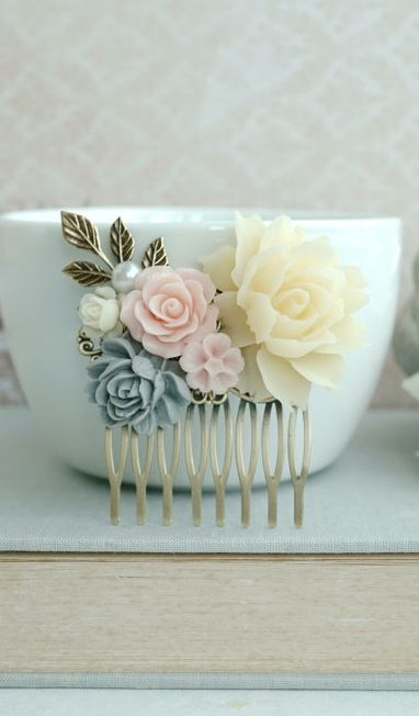 Grey and pink flower comb