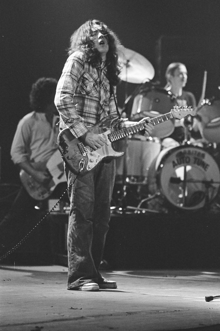 Rory Gallagher c1979 Manchester by Steve Smith(21a)