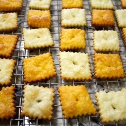 6 ingredients is all it takes to make you very own Cheez-It's!