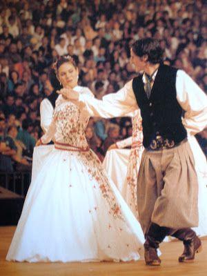 Dança das invernadas. Estado do Rio Grande do Sul, Brasil.