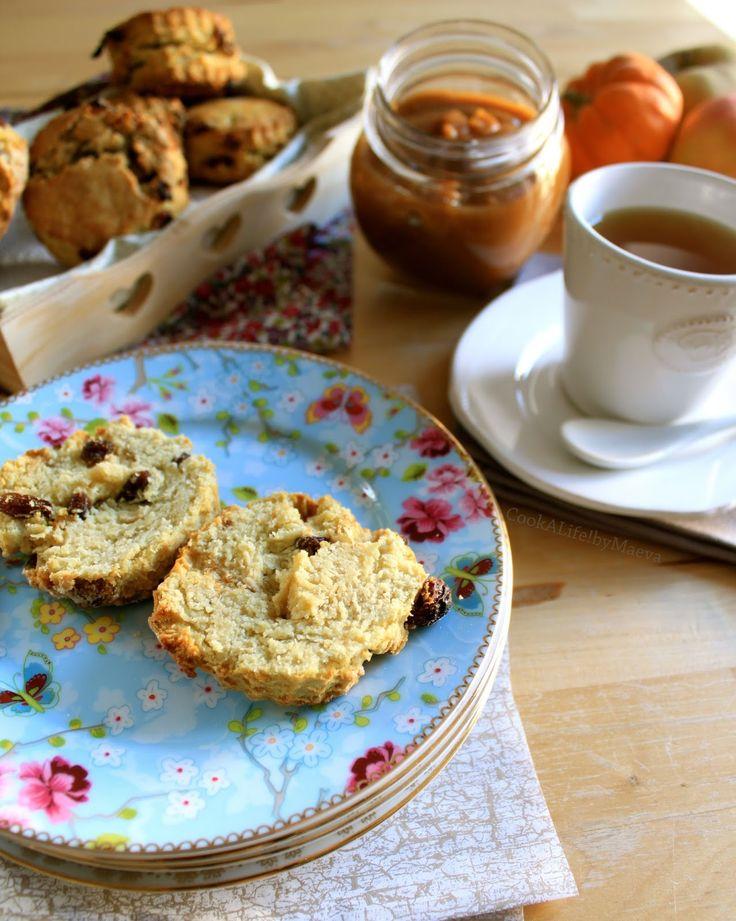 """Scones aux raisins secs & """"beurre"""" de pomme et potiron pour un tea time anglais"""