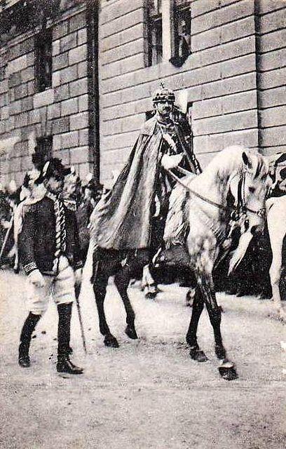 Kaiser Karl von Österreich mit der Stefanskrone 1916 Budapest by Miss Mertens, via Flickr
