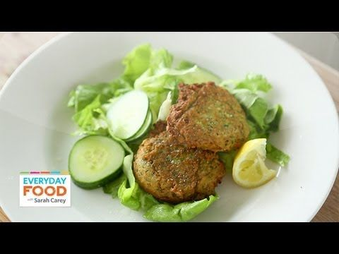 Chickpea Fritters - Everyday Food with Sarah Carey -   In a food processor, pulse together 1 can rinsed & drained chickpeas, 1/2 C. sliced scallions, & 1/3 C. cilantro till a coarse paste forms. Pulse in 1/2 C. flour, 1 egg, & 1 t. salt. Heat 1/4 inch olive oil in a large skillet over medium high. Add chickpea mixture to skillet, 1/4 cup at a time, pressing to form patties. Cook until golden brown on both sides, turning once, 4 to 5 minutes. Serve with salad and lemon wedges.