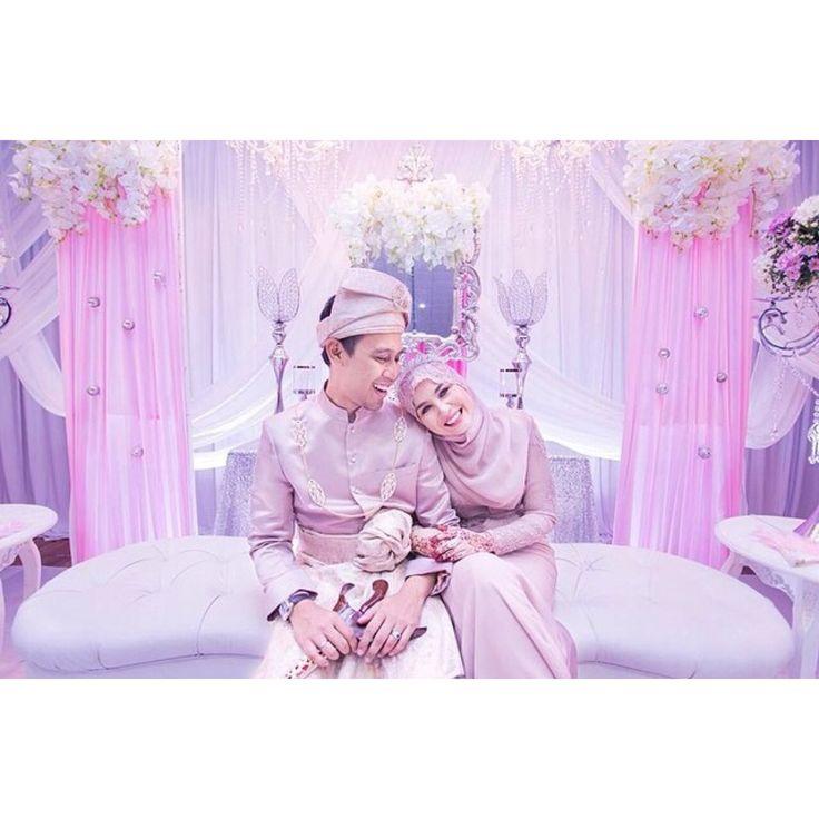 The bride & groom, & the pelamin   #wedding #malaywedding #pelamin #pelamindewan #afiqhariati