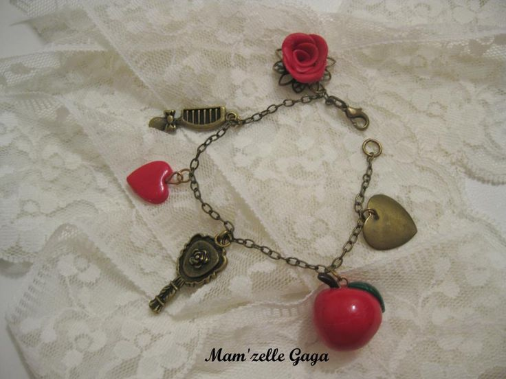 Snow White bracelet