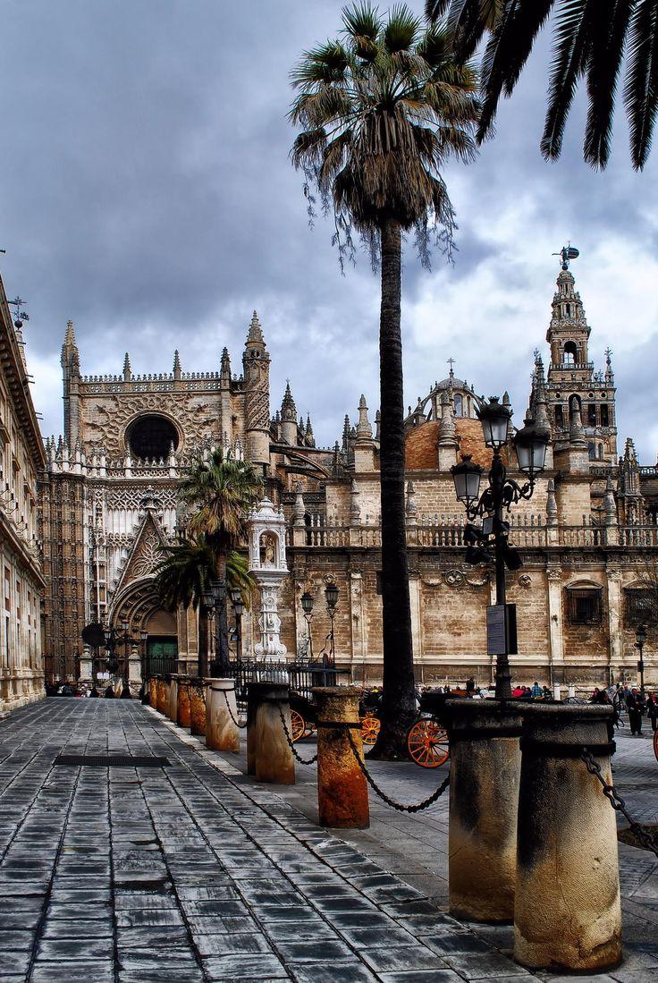 Visitando Sevilla, Catedral y al fondo la Giralda ❤