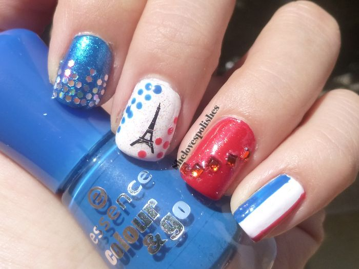 14th of July inspired nail art