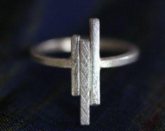 Alambre de plata hechos a mano martillado plata anillo R0009