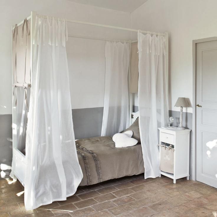 affordable lit baldaquin enfant manosque sur maisons du monde dcouvrez tous les meubles et. Black Bedroom Furniture Sets. Home Design Ideas