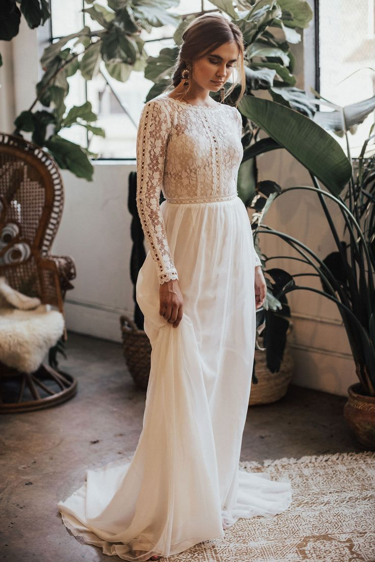 Best Places To Buy A Wedding Dress Online Wedding Dresses Boho Wedding Dress Long Sleeve Wed In 2020 Wedding Dresses Lace Wedding Dresses Wedding Dress Long Sleeve