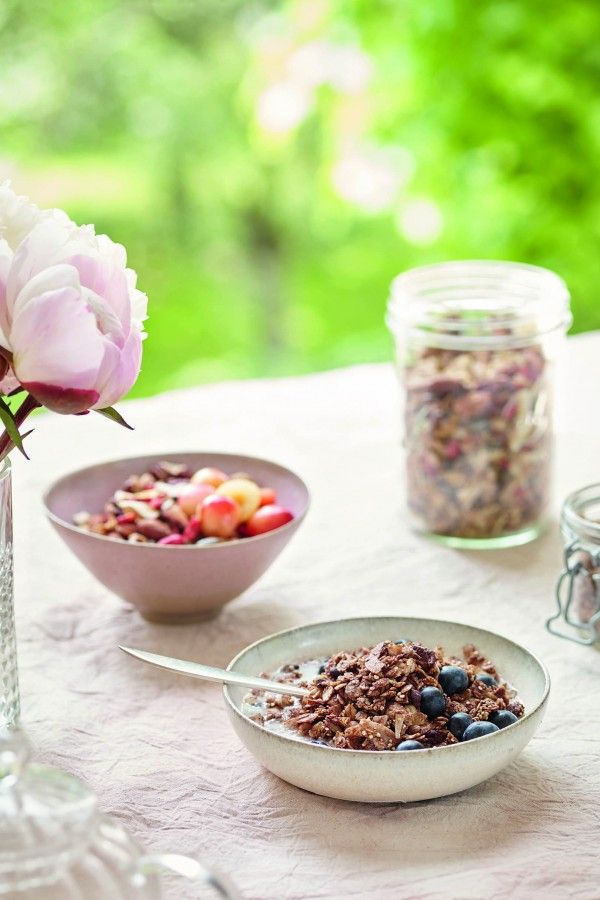 Niomi Smart Vegan Recipes: Her Day In Food | InStyle UK: The best granola