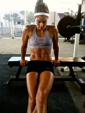 Lifting weights to get lean