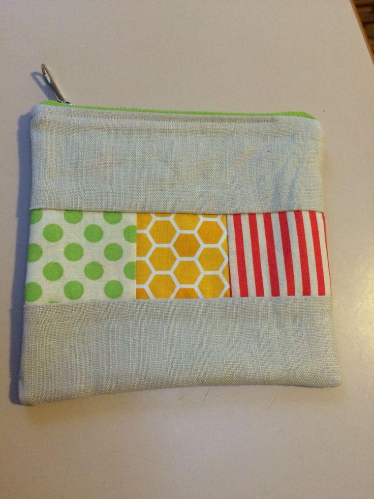 Patchwork zippered purse
