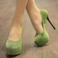 Green sparkles? Yes please(: