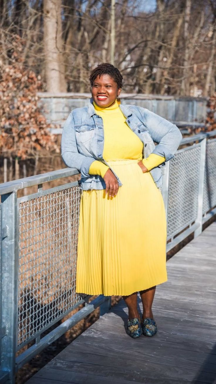 Curvy Fashion, Plus Size Fashion, Spring Photography, Spring Collection, Midi Skirt, Cold Shoulder Dress, Dressing, Style Inspiration, My Style