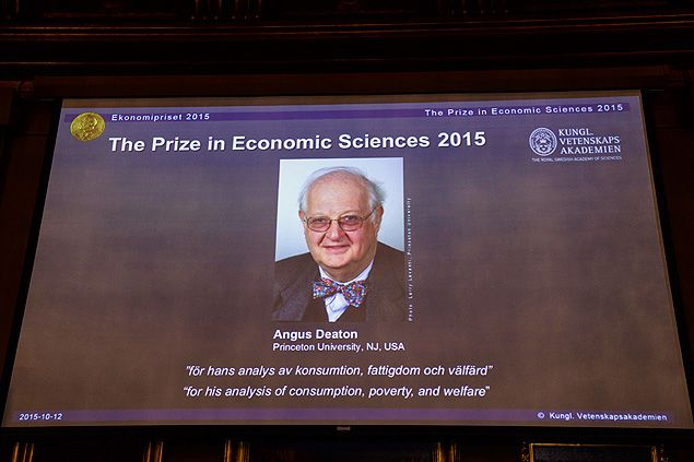 Anúncio do prêmio Nobel de Economia 2015, realizado nesta segunda-feira
