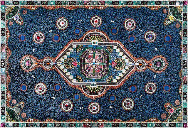 Un tapis ornemental fait avec du recyclage de pièces informatiques - http://www.2tout2rien.fr/un-tapis-ornemental-fait-avec-du-recyclage-de-pieces-informatiques/