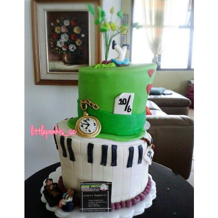 Cake alice in wonderland