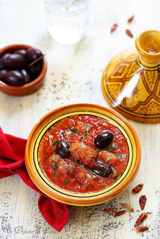 Un dejeuner de soleil: Tajine de merguez aux olives