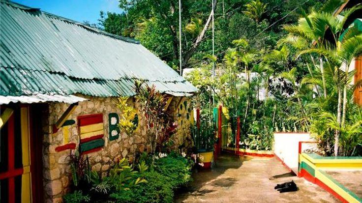 """Jamaica aprovecha la marihuana para potenciar el """"Turismo del Bienestar"""" El país caribeño es una de las naciones en desarrollo con las tasas más bajas de crecimiento por lo que las autoridades se apoyarán en los rastas para incentivar su fuente..."""