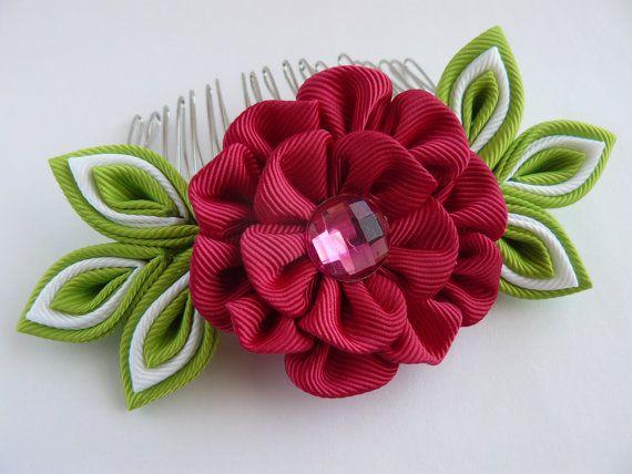 Handmade+Kanzashi+fabric+flower+hair+comb+por+MARIASFLOWERPOWER