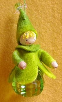 What a cute ornament idea...could be an elf, an angel, a baby, or a santa Atelier Pippilotta :: Schatkist
