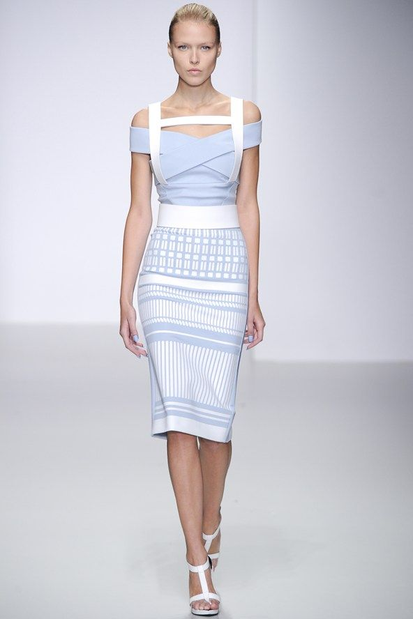 Slicked back & structured spotted at David Koma #lfw #feelunique #hair #trend