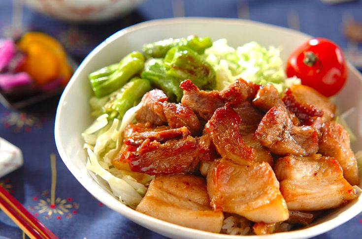 豚バラ肉はブロックを使って下さいね。 夏バテ防止にぜひ!豚肉の甘辛丼/杉本 亜希子のレシピ。[和食/ご飯もの(寿司、ご飯、どんぶり)]2014.08.18公開のレシピです。
