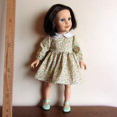 Robe sage col claudine  pour poupées journey girls ou  my life  de madame alexander  45 cm