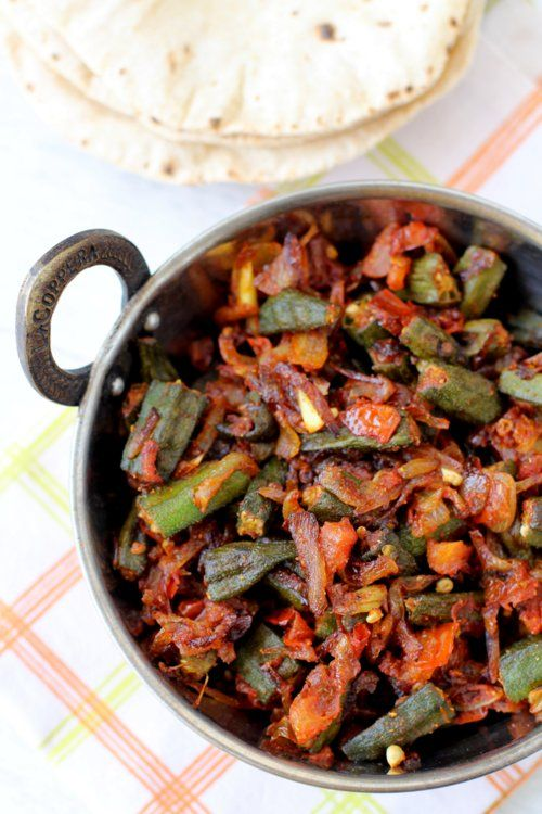 bhindi masala recipe - spicy lady's finger side dish can be eaten with roti (indian flat bread)