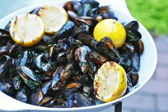 Grilled Mussels w/ Herb Butter... words do not describe how delish mussels are to me! love.