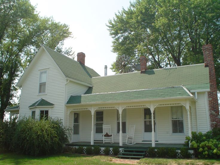 "I love farm houses and this one has green gables! Won't you call me Anne,.....with an ""e""?"