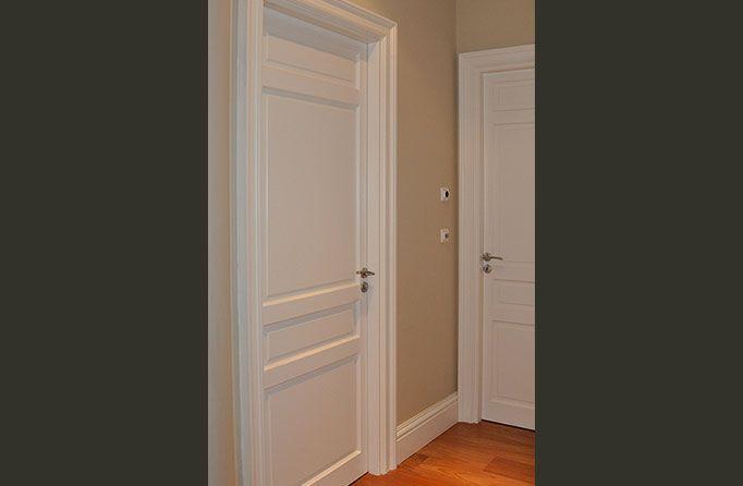 les 25 meilleures id es de la cat gorie moulure porte sur pinterest moulures appartement. Black Bedroom Furniture Sets. Home Design Ideas
