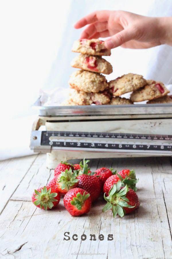 Scones di quinoa e fragole