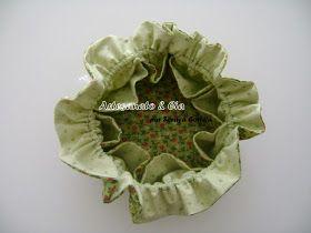 Boa tarde !  Vamos fazer um porta-jóias em tecido?  Uma peça fácil, bonita, prática e ótima para vender!  Fiz o PAP, espero que consigam...